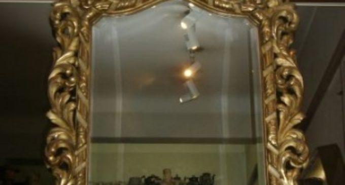 Pařížské zrcadlo smrti