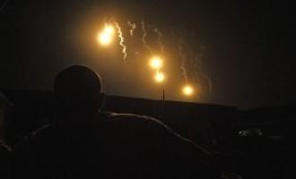 Podivná světla nad polem v Anglii. Kulové blesky, nebo něco jiného?