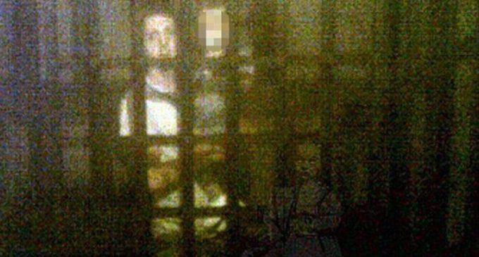 Britská rodina vyfotila v muzeu přízrak malé dívky ve viktoriánských šatech