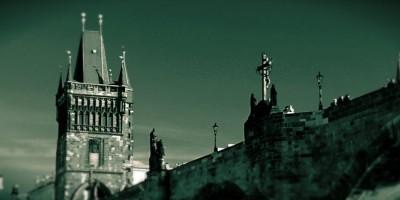 Záhadné stíny Staroměstské mostecké věže
