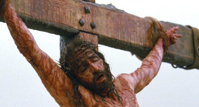 Ježíš se udusil aneb Co se ve skutečnosti dělo při ukřižování