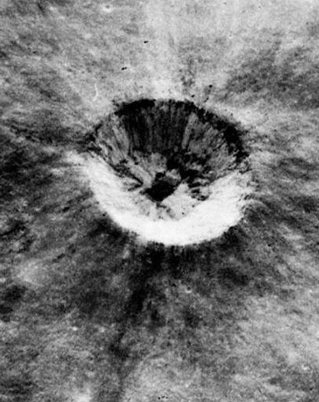 posadka-apolla-10-vyfotila-na-mesici-mimozemsky-dul2