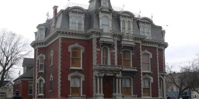 Dům hrůzy v Elm Street 1738 – Phelps Mansion