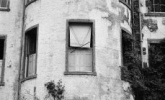 Skotský dům hrůzy: straší v něm duchové psů?