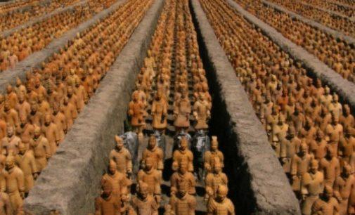 Co ukrývá hrobka čínského císaře?