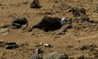 Na Marsu našli mrtvého humanoida ve skafandru
