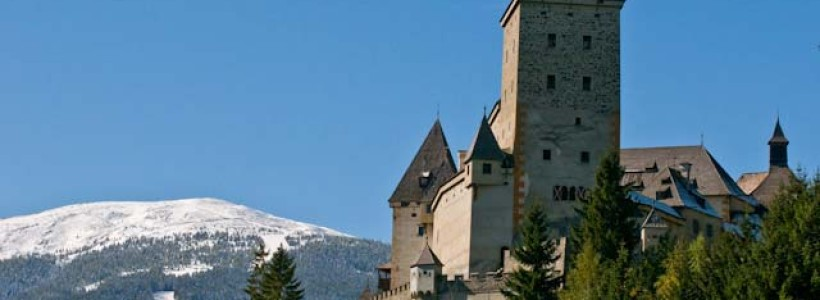 Rakouský hrad plný duchů, čarodějnic a vlkodlaků