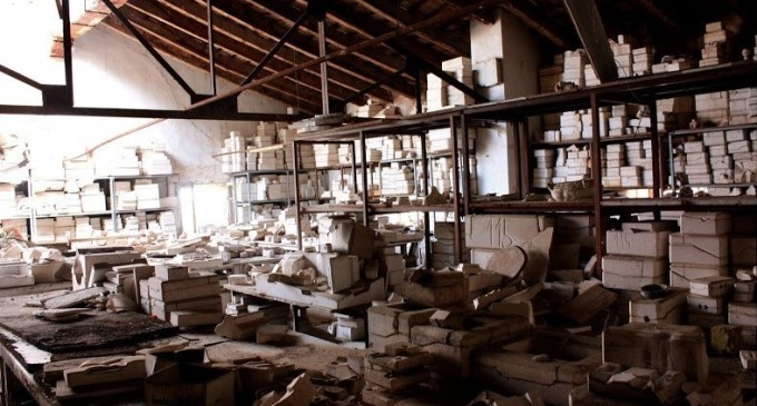 Porcelánové panenky tak, jak je neznáte: Tato opuštěná továrna vám nažene husí kůži