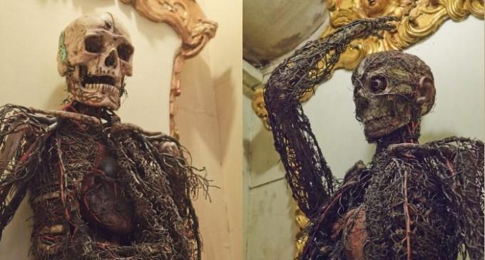 Jsou v kapli díla černé magie nebo alchymie?