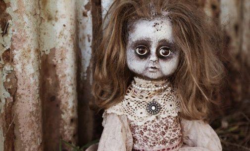 Strašidelný příběh: Mluvící panenka