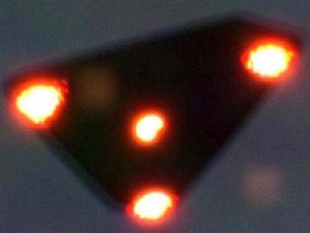 VIDEO: Belgické UFO – byl to skutečně jen obyčejný podvrh?