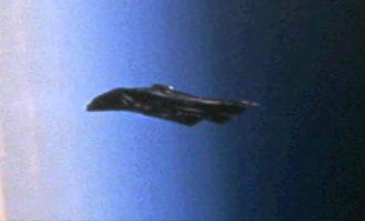 VIDEO: Obíhá Zemi 13 tisíc let starý mimozemský satelit?