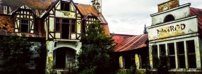 VIDEO: Penzion Nimrod – opuštěná stavba uprostřed lesů