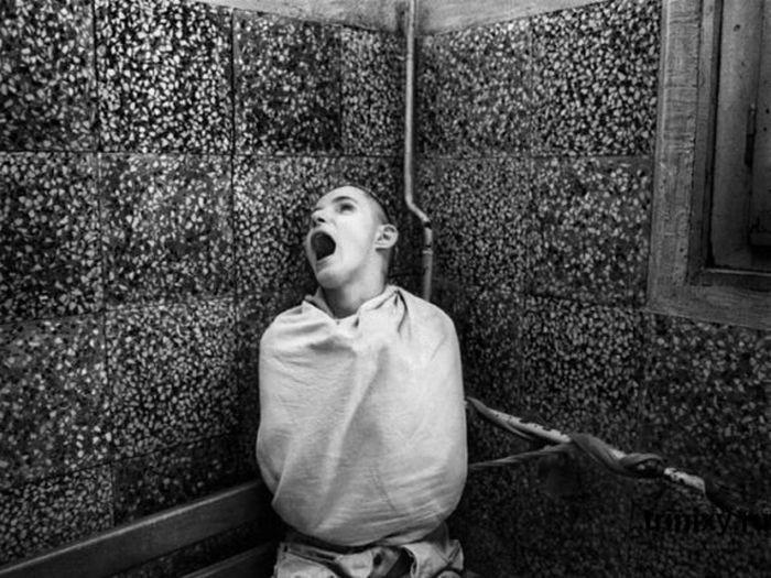 FOTO: 20 nejděsivějších a nejdivnějších fotografií z psychiatrických léčeben