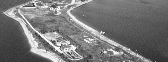 VIDEO: Ostrov Hart: Největší americký masový hrob