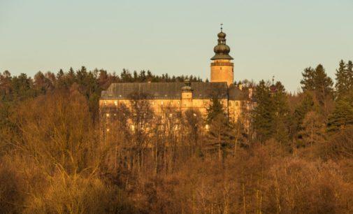 VIDEO: Paranormální jevy na českém zámku Lemberk. Kdo se tam po nocích prochází?