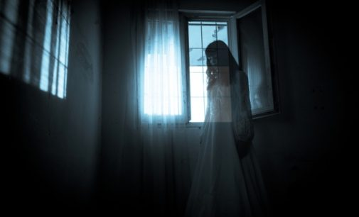 Návštěvy ze záhrobí terorizovaly sourozence: Temné síly odhánělo celé město
