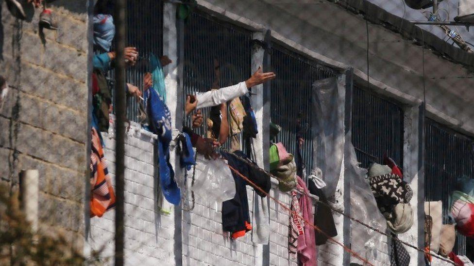 VIDEO: Kolumbijská věznice La Modelo: Jak vypadá peklo na Zemi?