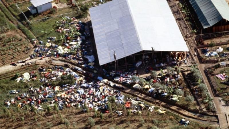 Video: Největší hromadná sebevražda: V kultu zemřelo i přes 300 dětí