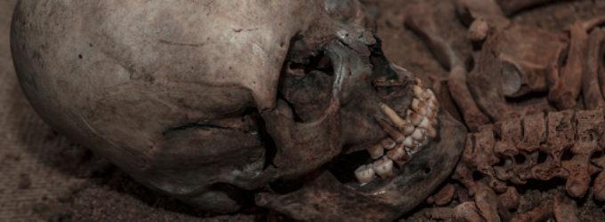 Záhada prodloužených lebek: Jejich existenci dodnes nikdo neobjasnil