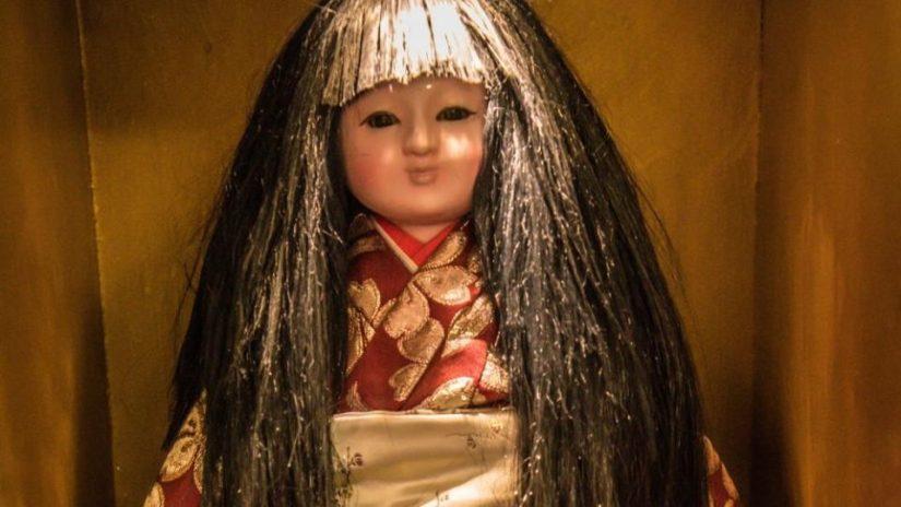 Japonská panenka, která děsí: Okiku údajně rostou vlasy